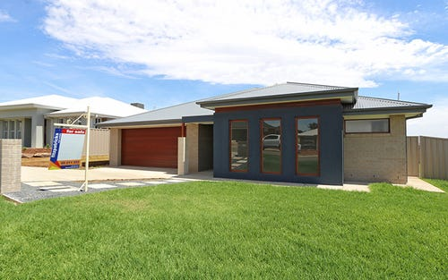 12 Pooginook Place, Bourkelands NSW 2650