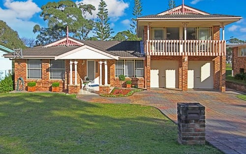 77 Donlan Road, Mollymook NSW 2539