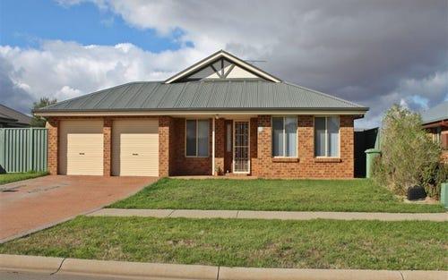 23 Lady Mary Drive, West Wyalong NSW 2671