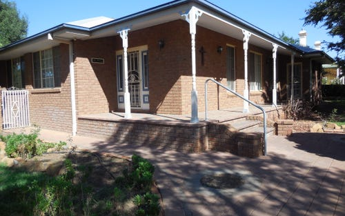 2 William St, Forbes NSW