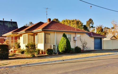 92 Lynch Street, Young NSW 2594