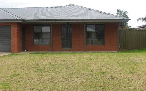 2B Thornett Place, Dubbo NSW