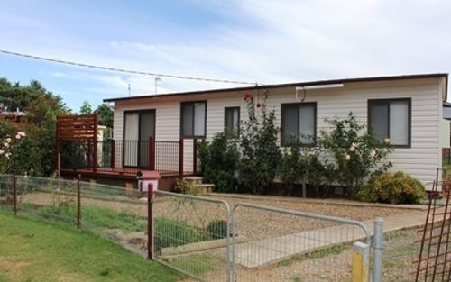 8 Nulgarra Place, Cooma NSW 2630