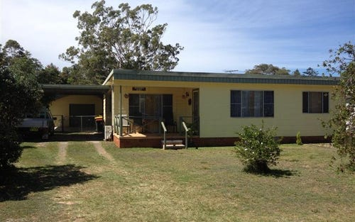 18 Ninth Avenue, Stuarts Point NSW 2441