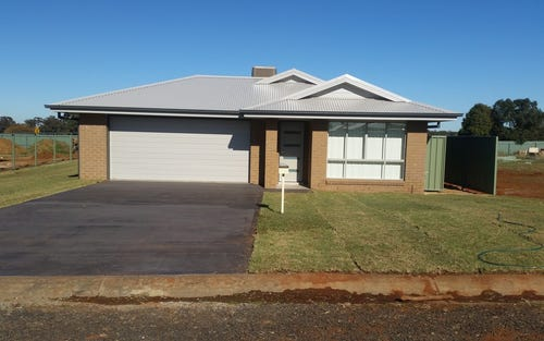 34 Warragrah Place, Parkes NSW