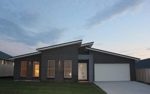 38 Mendel Drive, Bathurst NSW 2795