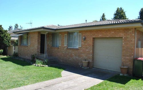 2 Morobe Place, Orange NSW 2800