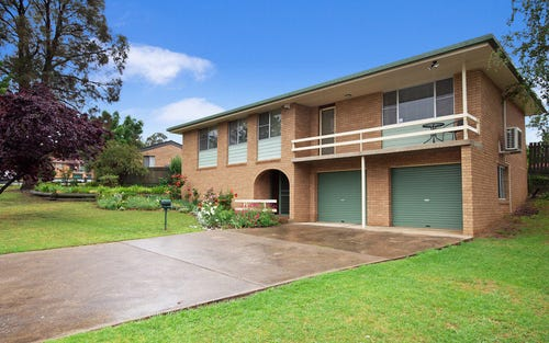 4 Hamilton Crescent, Ben Venue NSW 2350