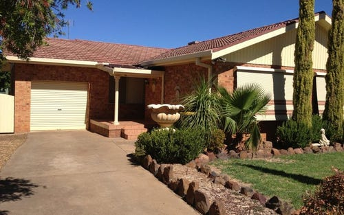 16 Howard Avenue, Dubbo NSW