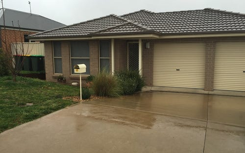 17 Romano Drive, Orange NSW
