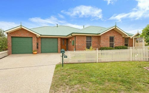 12 Northcliffe Place, Queanbeyan NSW 2620