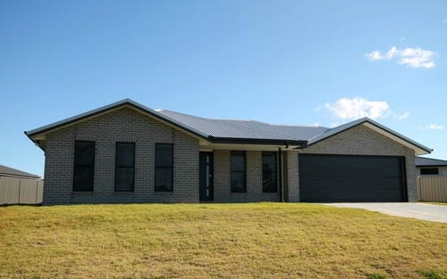 8 Stainfield Drive, Inverell NSW 2360