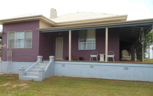 14 Russell St, Young NSW 2594