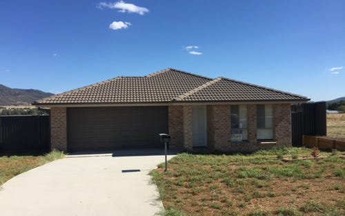 32 Reginald Drive, Tamworth NSW