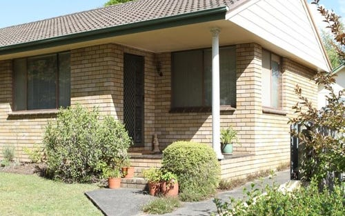8 Hill St, Bundanoon NSW 2578