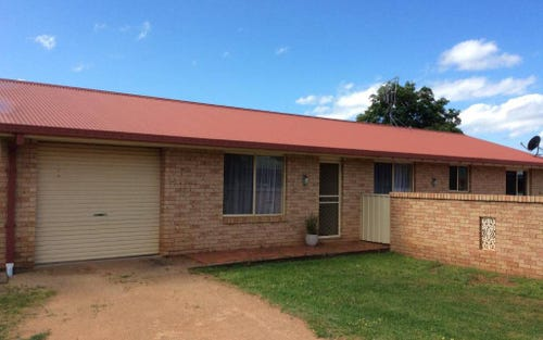 104 OAK CRESCENT, Narromine NSW 2821