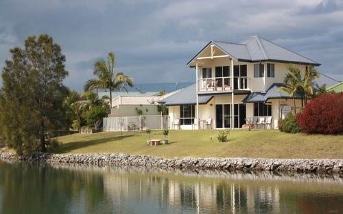 8 Newport Island Circuit, Yamba NSW 2464