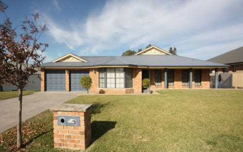13 Rhodes Place, Singleton NSW 2330