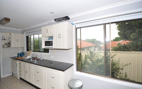 2 Auburn Street, Point Frederick NSW