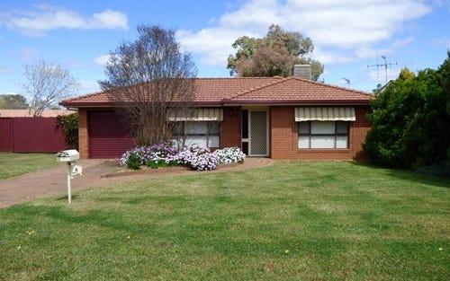 4 Balmoral Pl, Dubbo NSW