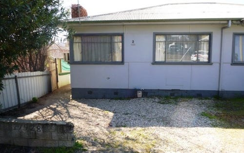 2/928 Padman Drive, Albury NSW
