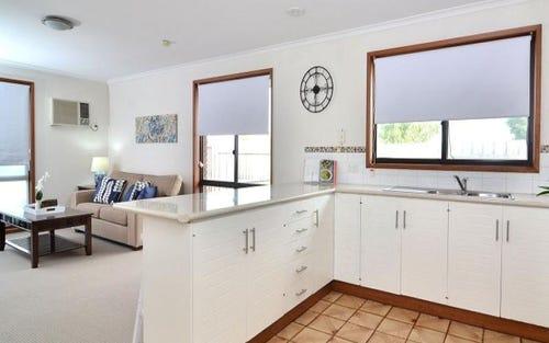1/379 Parnall Street, Lavington NSW 2641
