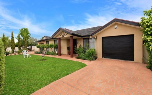 8 Nicholls Drive, Yass NSW 2582