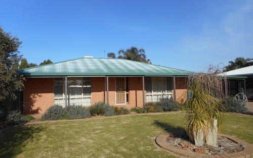 11 Burke St, Finley NSW 2713