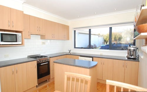 4/124 Grayson Street, Hackett ACT 2602