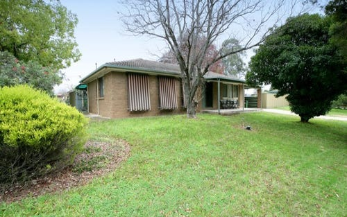 80 Vincent Road, Lake Albert NSW 2650