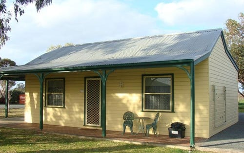 Cottage 9 Murray River Resort, Perricoota Road, Moama NSW 2731