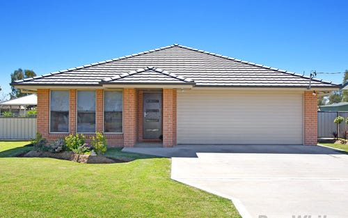 34 Kelvin Vickery Avenue, Narrabri NSW 2390