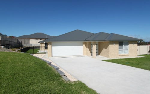 9 Tom Close, Kelso NSW 2795