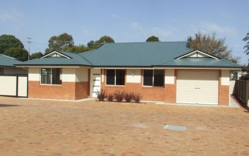 67 Clive, Woodstock NSW 2360