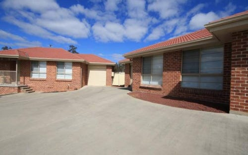 Unit 1 & 2/9 Lou Fisher Place, Muswellbrook NSW 2333
