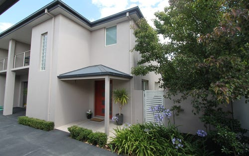 Townhouse 2/187 Piper Street, Tambaroora NSW 2795