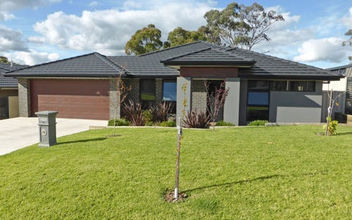 12 Robinson Court, Orange NSW 2800