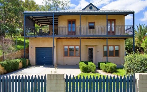52 Carthage St, Tamworth NSW 2340