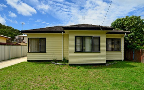 6 Picnic Parade, Ettalong Beach NSW 2257