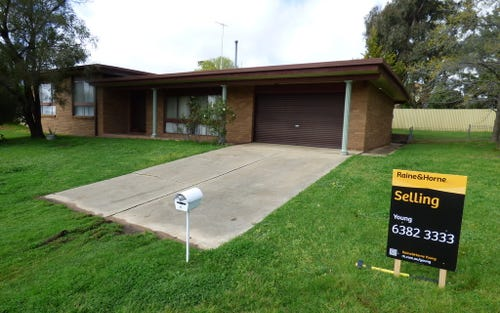 18 Cowper, Young NSW 2594