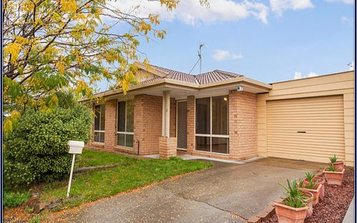 17 Dacomb Court, Dunlop ACT