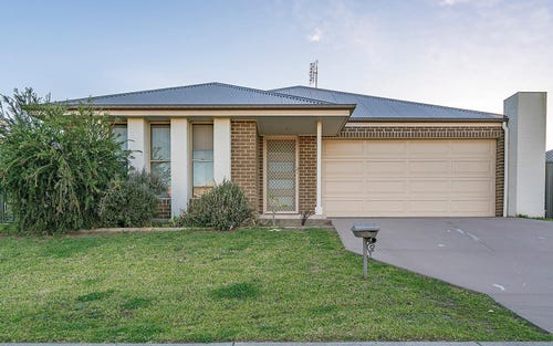 46 Niven Parade, Rutherford NSW