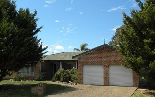 50 Pineview Cct, Young NSW