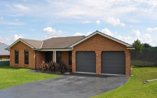3 Federation Drive, Kelso NSW