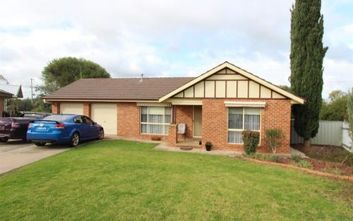 7 O'Hara Place, Galore NSW 2650