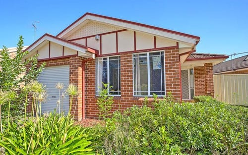24 Henze cres, Claremont Meadows NSW 2747