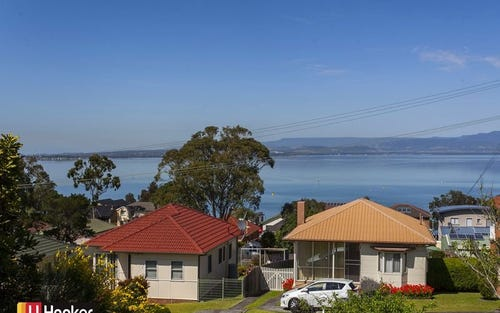 38 Grandview Parade, Lake Heights NSW 2502