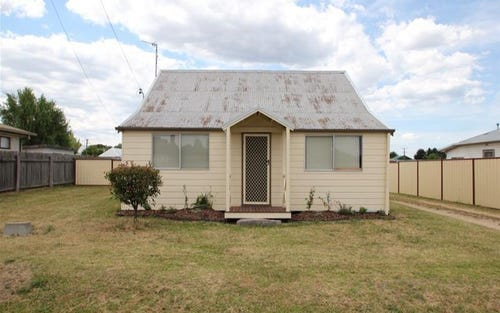 42 Margaret Street, Tenterfield NSW 2372