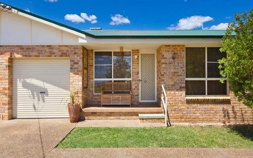 2/12 Curlew Cres, Tamworth NSW 2340