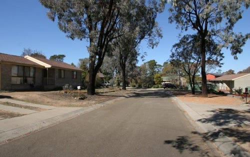 4 Franks Place, Kambah ACT